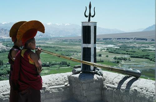 tibetan-trumpets