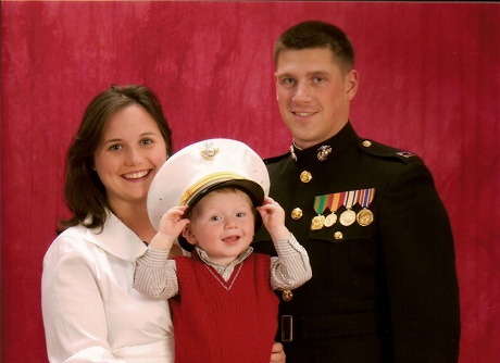 kevin-nicholson-and-family
