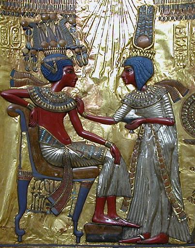 tuts-throne2