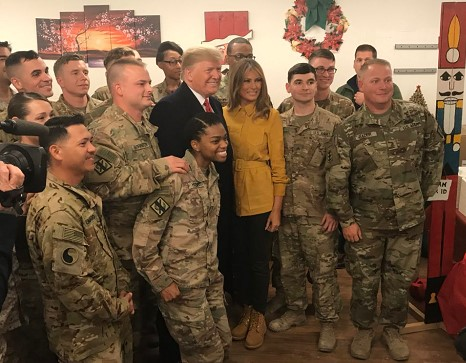 trump-xmas-w-troops