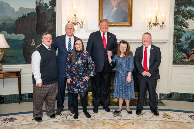 downsyndrome-kids-in-the-white-house