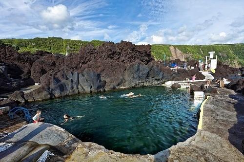 varaduro-lava-rock-pool