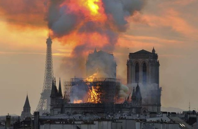 notre-dame-in-flames