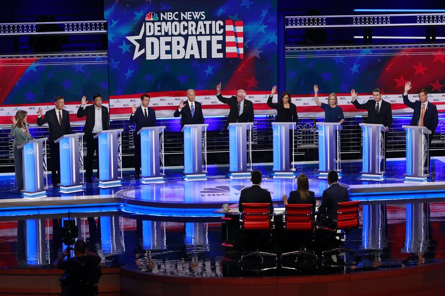 10 Dem candidates agreeing to give free health care to illegal aliens