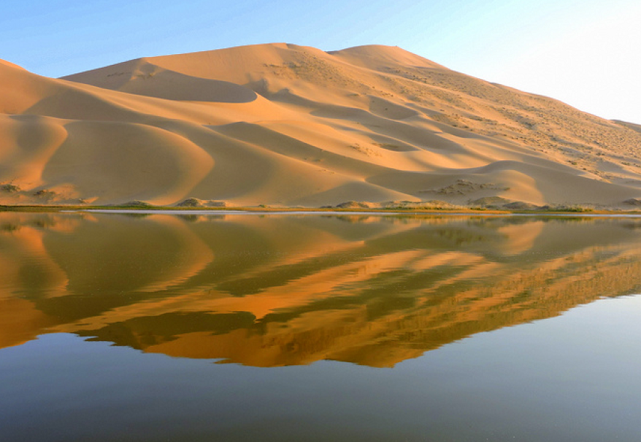 mystery-lakes-of-gobi