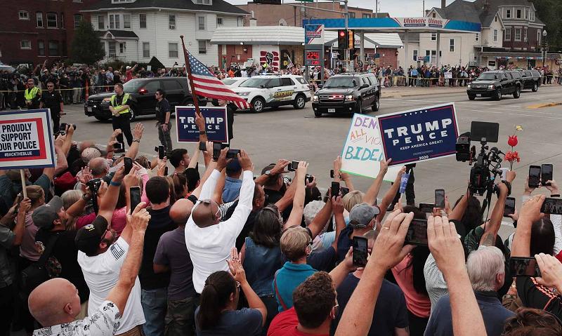 trump-supporters-in-kenosha