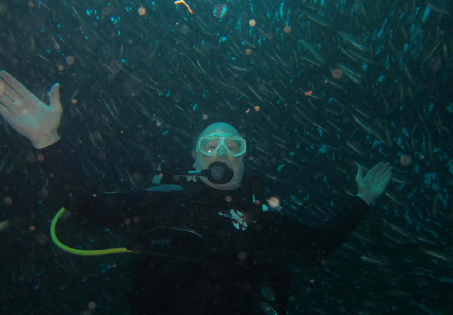 jw-diving-in-galapagos