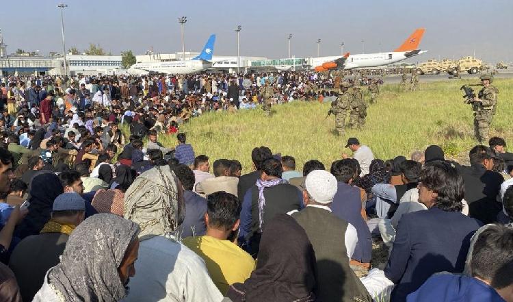 fleeing-afghan
