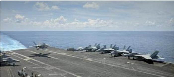 jet-lands-on-carrier
