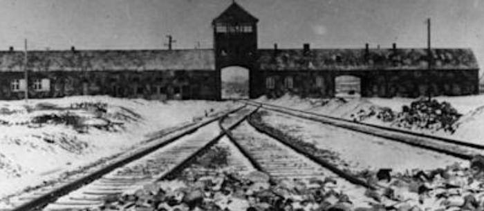 totalitarian-train-tracks
