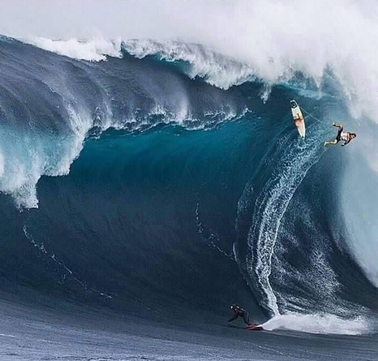 giant-wave-wipe-out